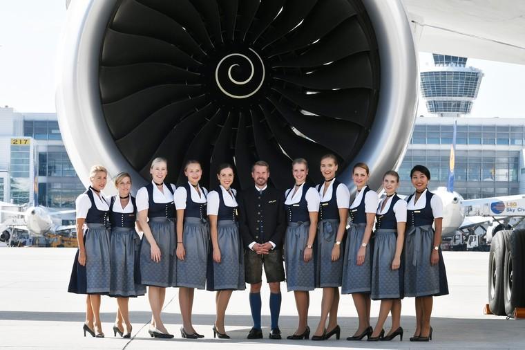 На время фестиваля пива экипажи Lufthansa облачатся в баварские народные костюмы