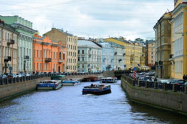 Петербург и Ленобласть начали принимать туристов с электронными визами