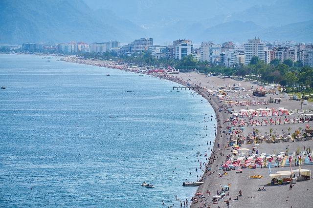 Турцию за восемь месяцев года посетили почти пять миллионов российских туристов