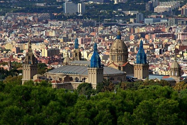 Топ 5 лучших достопримечательностей Барселоны.