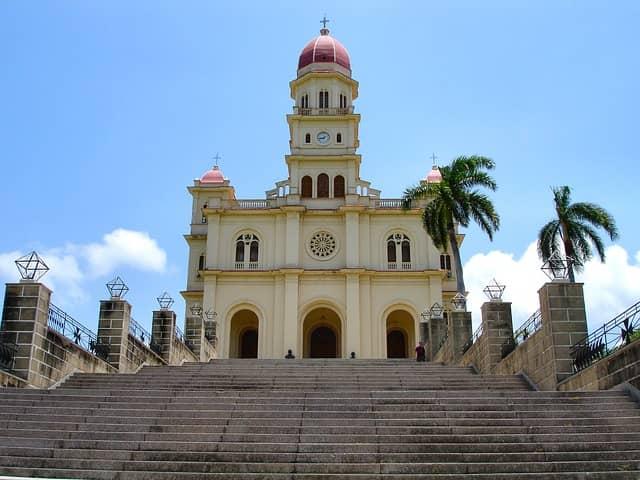 Кафедральный собор в Сантьяго-де-Куба